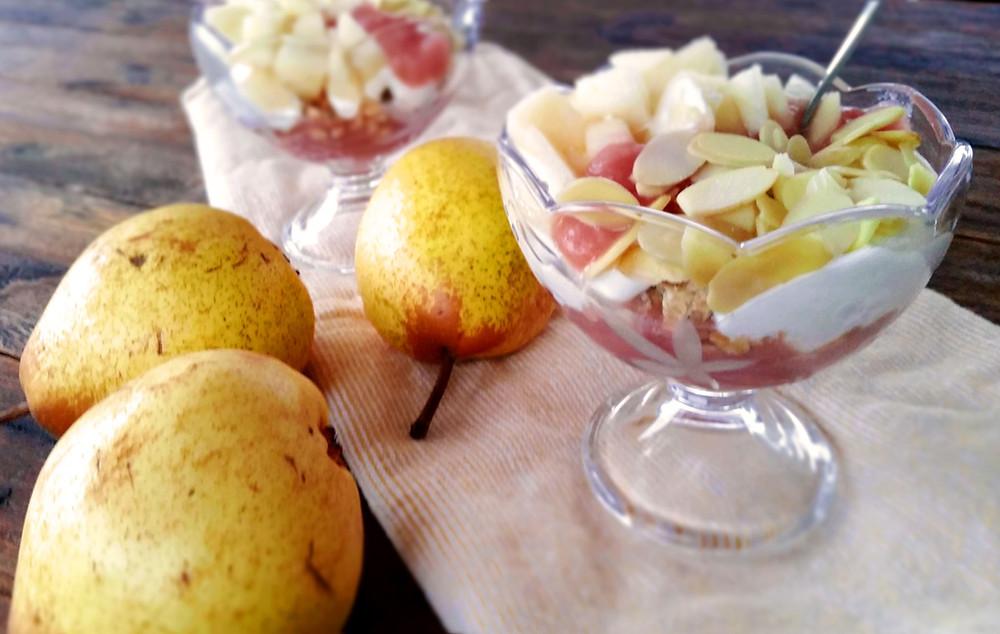 Granola, fruits et yogourt : pour bien débuter la journée
