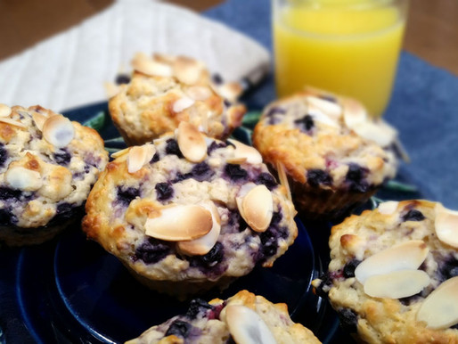 Muffins aux bleuets, yogourt grec et amandes