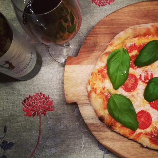 "Pizza Margherita et sauce ""Papa John"""