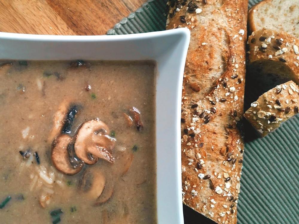 Soupe repas au riz sauvage et champignons
