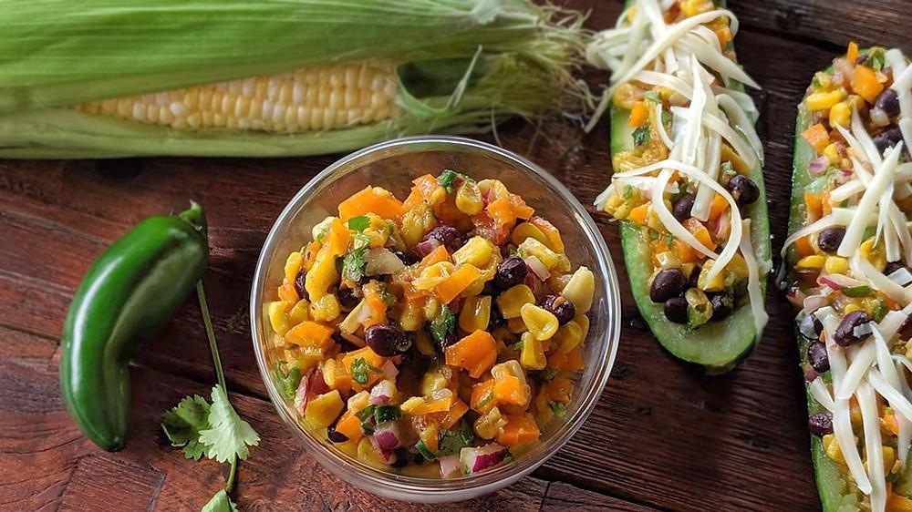 Salsa de maïs, mangue et fèves noires