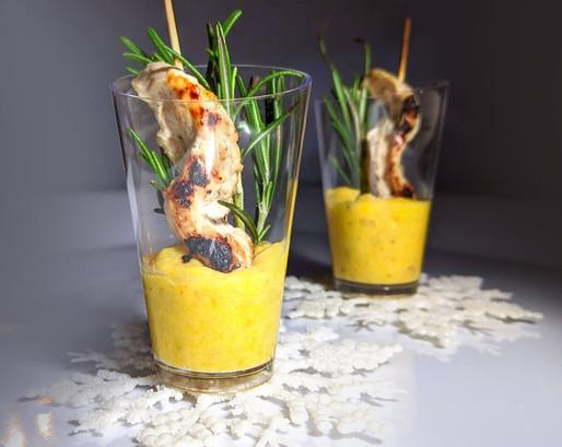 Minis brochettes de dinde et purée à la mangue et romarin