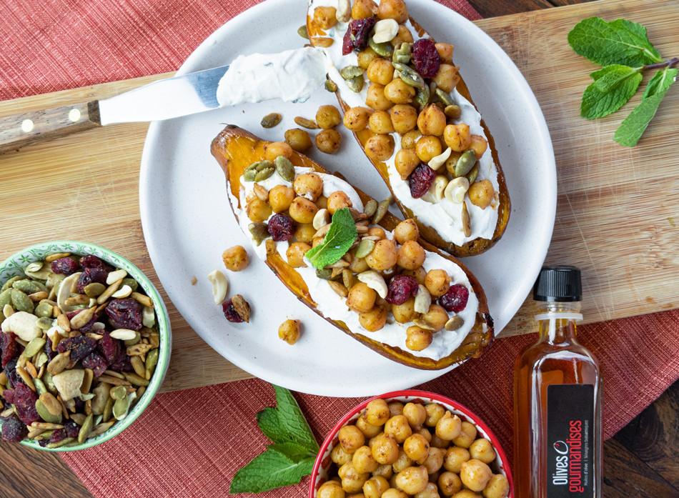 Patates douces farcies aux pois chiche et sauce tahini