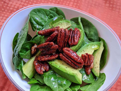 Salade d'épinards et pacanes caramélisées