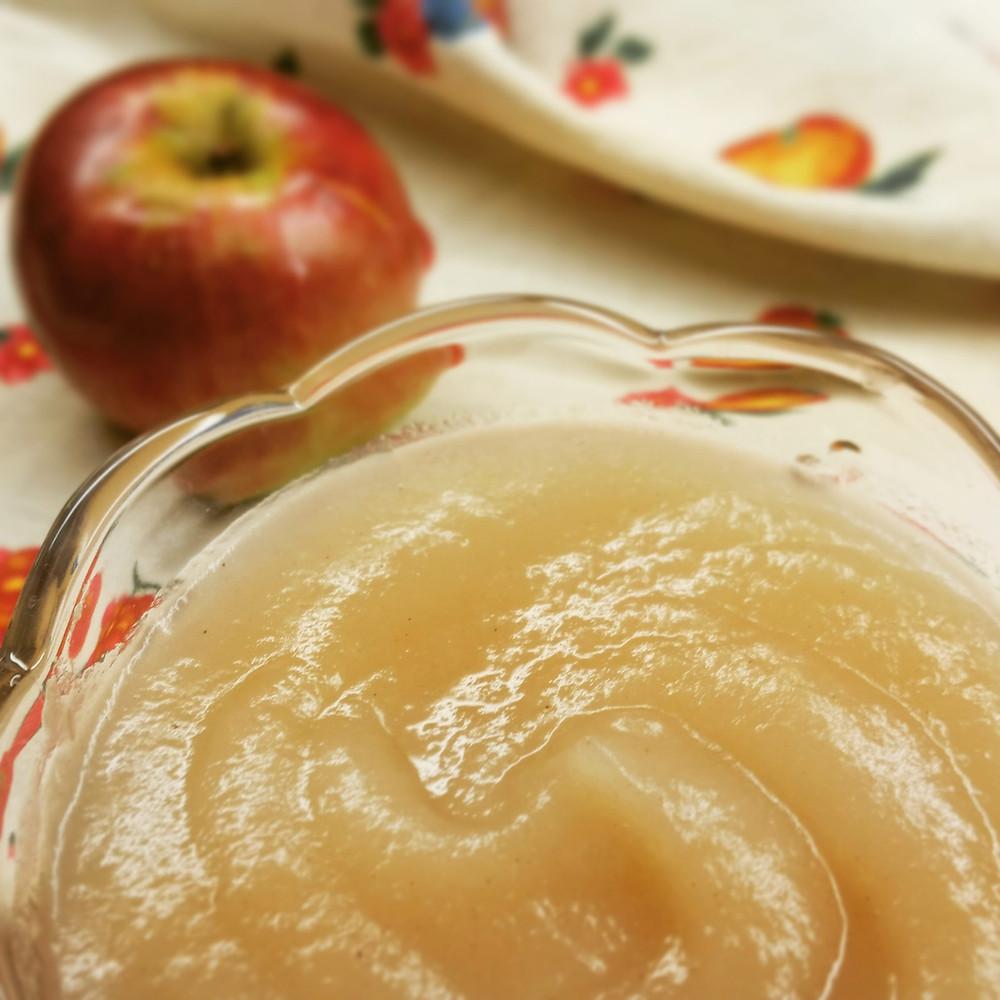 Compote de pommes cortland au sirop d'érable et cannelle