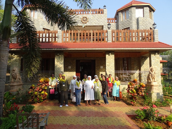 An outing for our Residents to Manoeri from Mumbai!