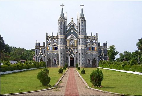 Picnic and Pilgrimage at Karkala St Lawrence Church in Udupi District!