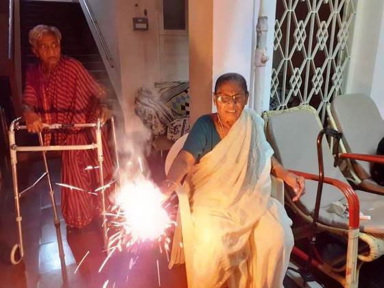 The Elderly Celebrate                        Deepavali in Guntur!