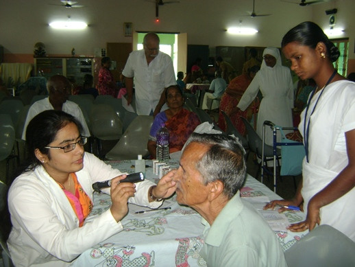 Eye camp conducted by ARASAN Hospital of Erode for the elderly Residents!