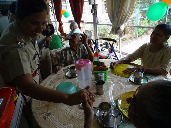 Mrs Vishali, Assistant Police Inspector of MIDC Police Station visits the elderly of Mumbai with a