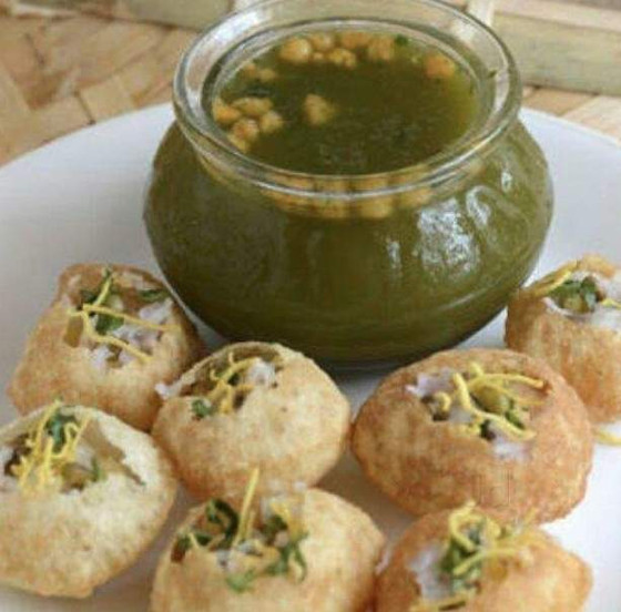 Pani Puri Treat to our Elderly by        Mr Manmohan of Secunderabad!