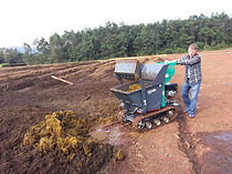 Mini dumper, mini escavadeira, empilhadeiras sobre esteiras, auto betoneira