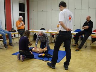 Erfolgreiche AED-Schulung