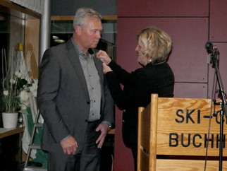 Bronzene Nadel für Jürgen Hauke Vorstandsmitglied des Ski-Clubs Buchhorn erhält WLSB-Ehrennadel