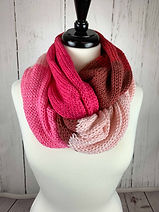 strawberry_knit_infinity (6 of 8).jpg