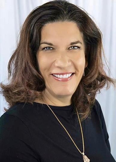 Lauren Cohen Headshot.jpg
