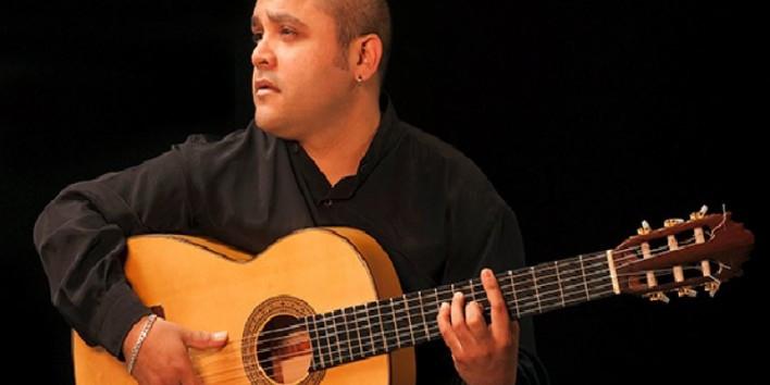 Manuel Alonso - Guitarra