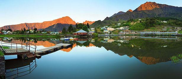 Cirques, pitons, remparts et plaines paysages de Ile de la Réunion