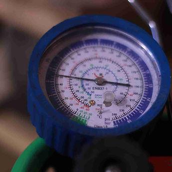 Tlakoměr na měření v okruhu tepelného čerpadla