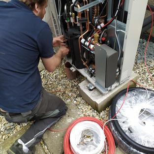 Montáž tepelné izolace do tepelného čerpadla
