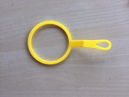 כלי קטן להפרחת בועות