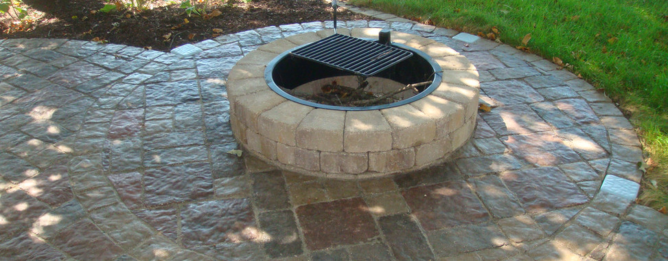 Firepit Patio with Grill Grate