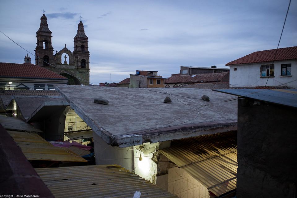 Mercado Central and Iglesia de San Lorenzo de Carangas