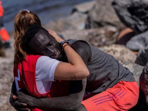 Abbraccia la sua salvatrice, il video fa il giro del mondo![VIDEO🎥]