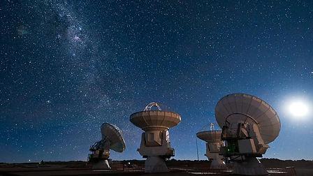 Ciel étoilé radio-télescope