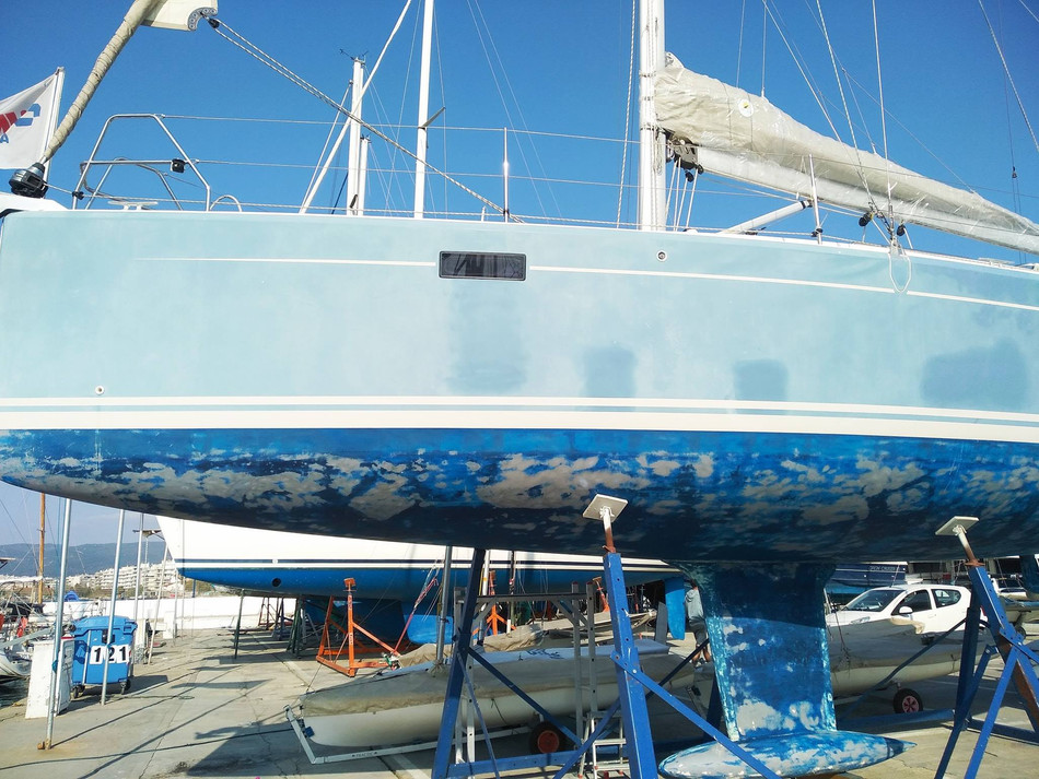 At 6 years old this Hanse 385 is absolutely polished to perfection!