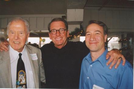 Gene Colin (center)