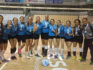 Equipe de Voleibol Feminino da AABB é campeã invicta