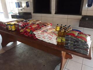 Sábado dos Aniversariantes arrecada alimentos para instituições sociais