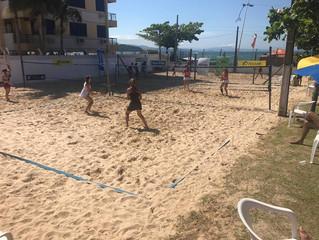 Quase 100 duplas participam do 3º Circuito de Verão AABB de Beach Tennis