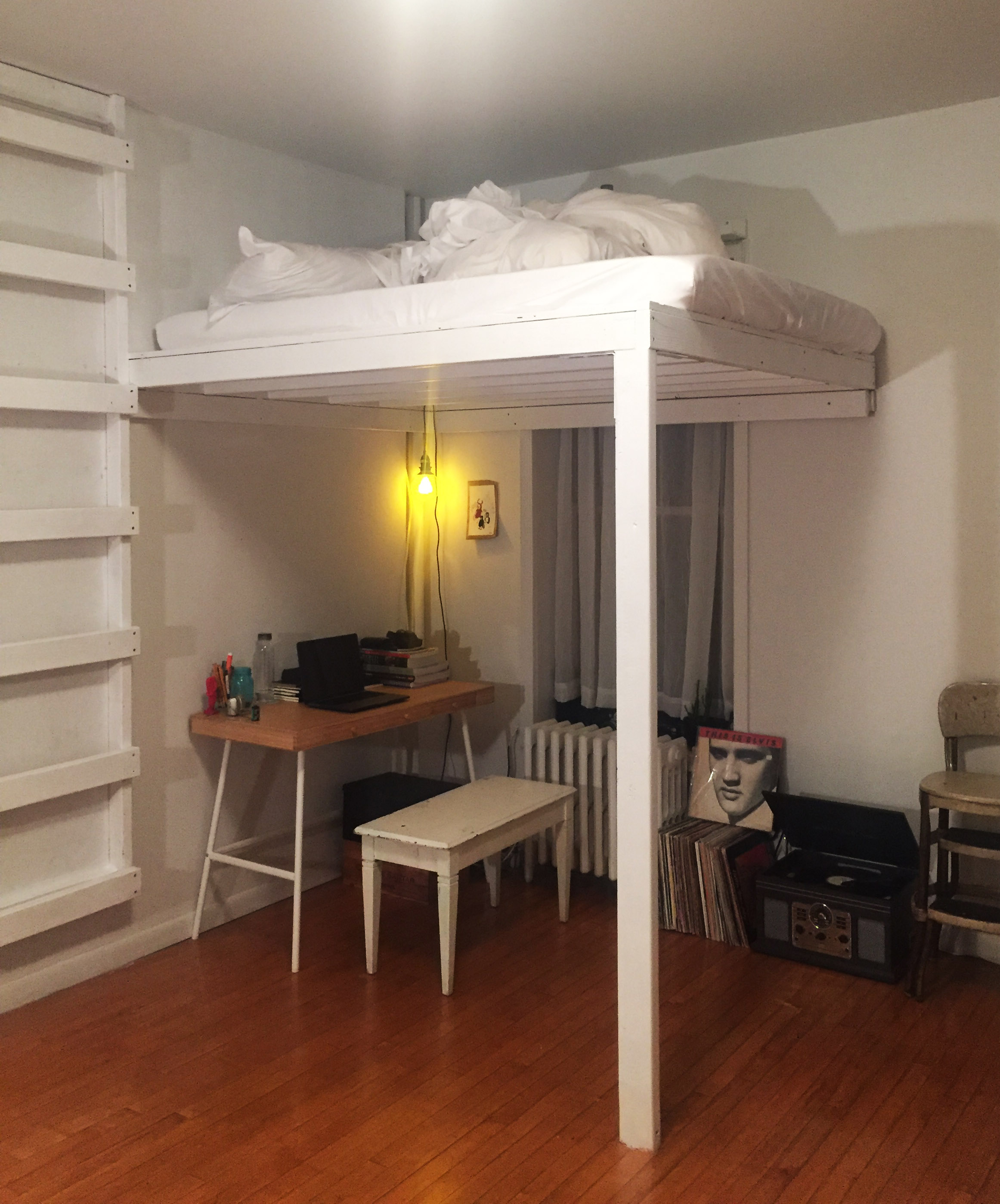 loft w wall mounted ladder