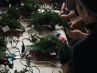 クリスマスリースワークショップを開催しました。