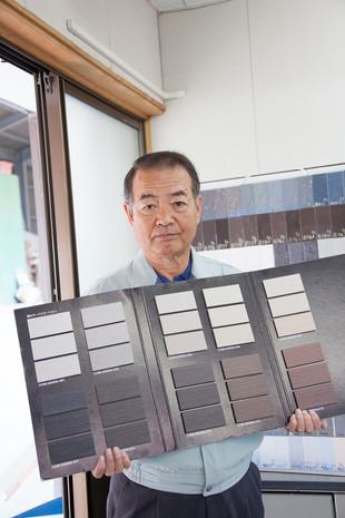【株式会社玉川釉薬】タイル作りの要。釉薬づくりに携われることは誇りです。