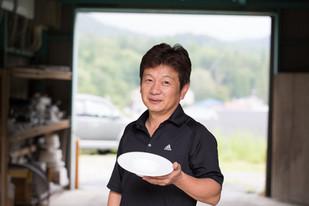 【株式会社山善製陶所】世界に通用するデザインの、白磁の器作りを目指す。