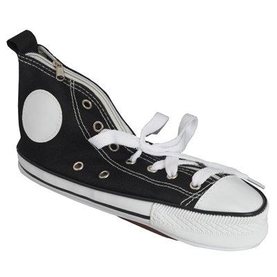 למר תיק איפור בעיצוב נעל ספורט