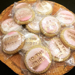 As promised, some cute little pink and gold bridal show cookies
