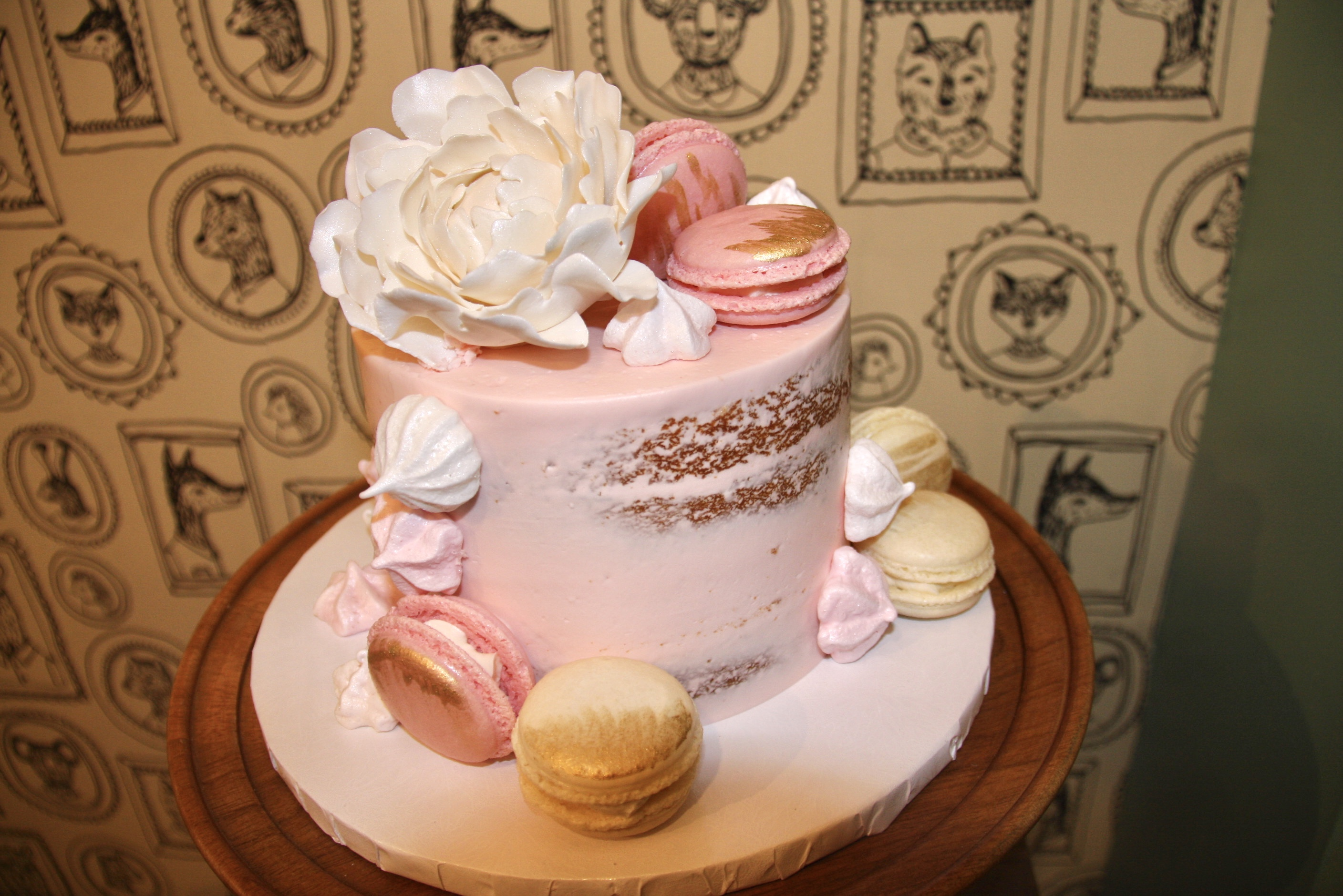 Meringues and Macarons