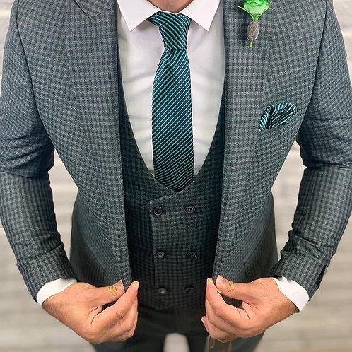 Мужской костюм тройка серо зеленого цвета в мелкую клетку