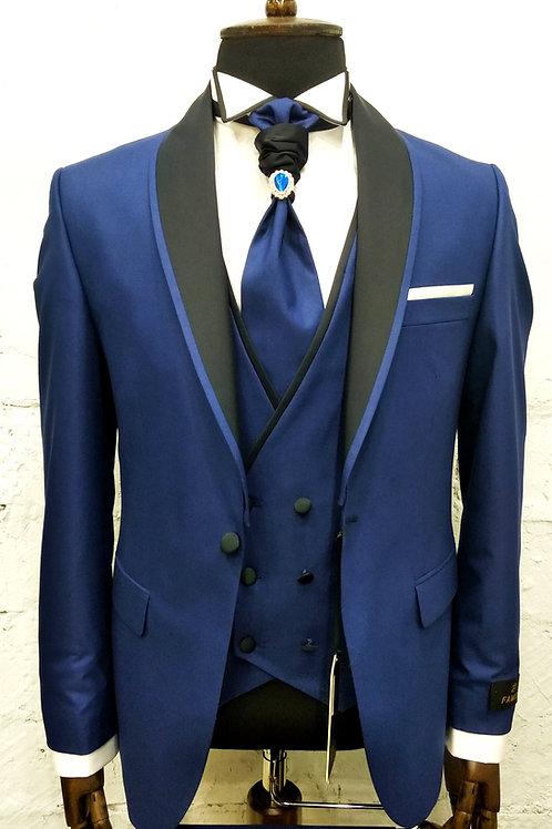 Мужской костюм тройка синего цвета