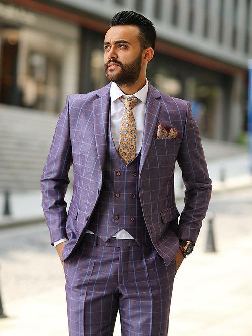 Мужской костюм фиолетового цвета в клетку