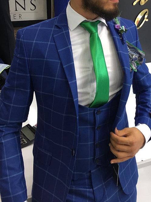 Мужской костюм синео цвета в крупную клетку