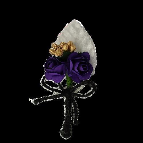 Бутоньерка фиолетово-белая