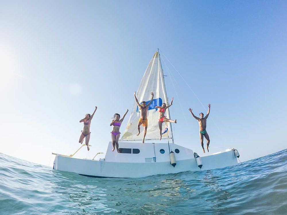 viajar en catamaran en ixtapa zihuatanejo
