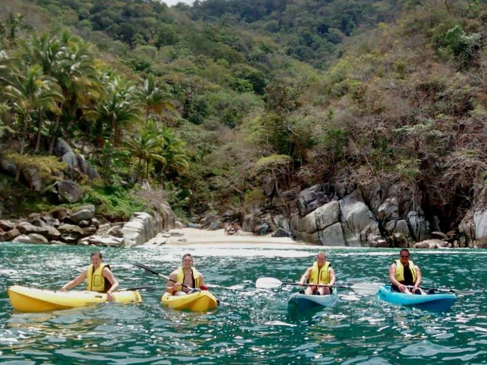 hacer kayak en playa colomitos, Jalisco