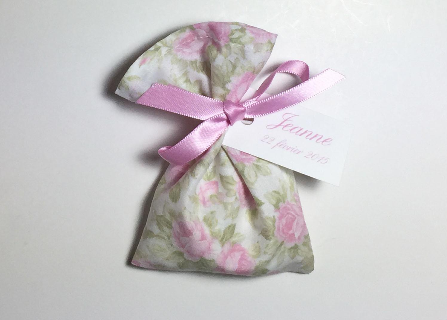 Tissu américain roses