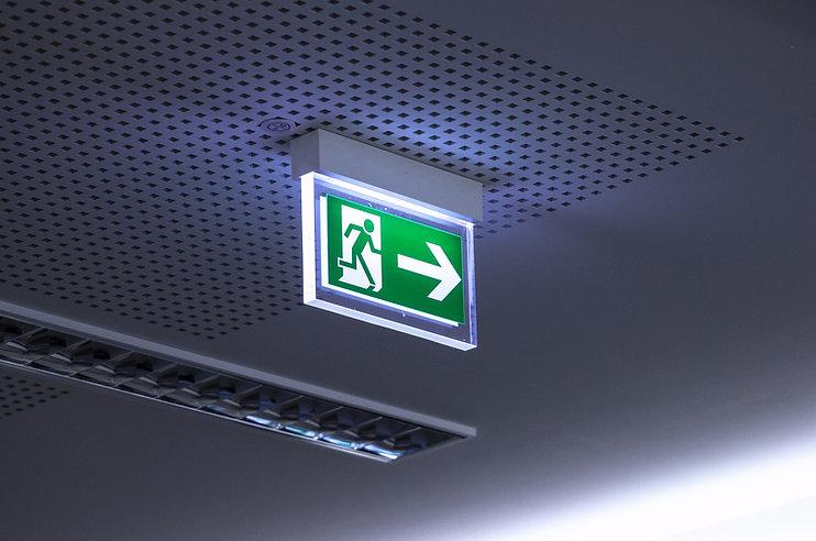 emergency-exit-4168808_1920 (1).jpg